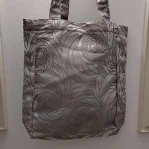 Linen silver embroidery day bag